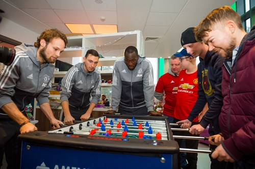 mufc-stars-play-table-football-with-christie-patients.jpg